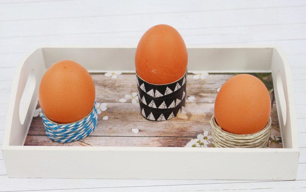 Oster eierbecher basteln best die einfachsten eierbecher der welt mini diy zu ostern with oster - Eierbecher selber basteln ...