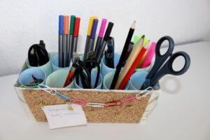 DIY Stiftehalter mit integrierter Pinnwand basteln