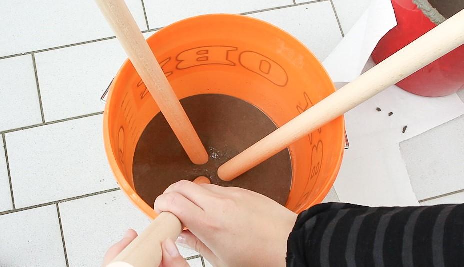 DIY Beistelltisch aus Beton basteln - Schritt 4