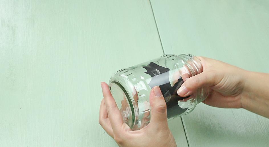 DIY Fledermaus-Windlicht basteln - Schritt 1