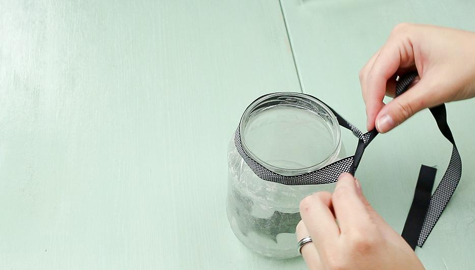 DIY Fledermaus-Windlicht basteln - Schritt 4
