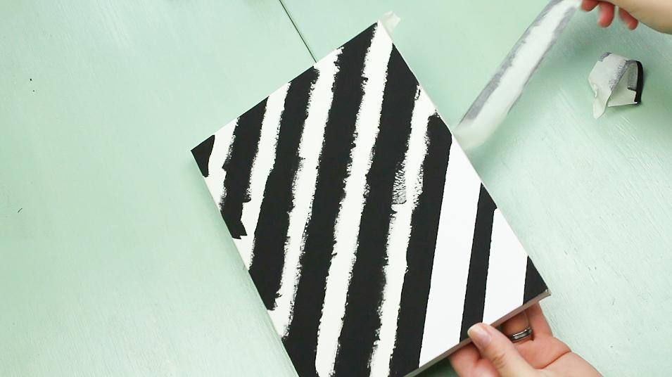 DIY Leinwand Wandbild basteln Schritt 3