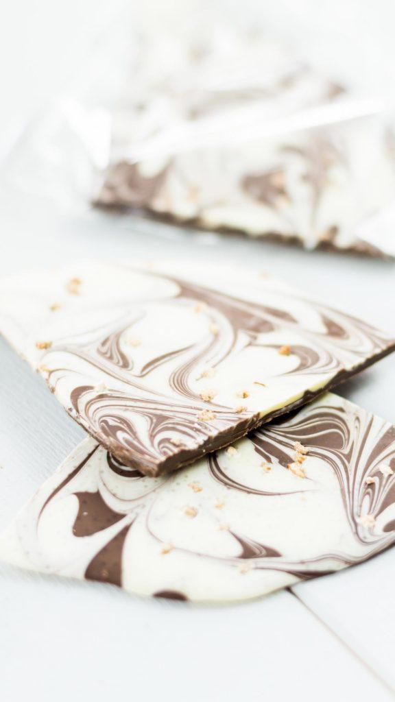 Schokolade selber machen - einfache und günstige DIY Geschenkidee