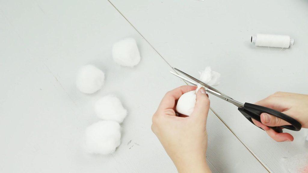 DIY Miniatur Schneemann basteln - Schritt 3