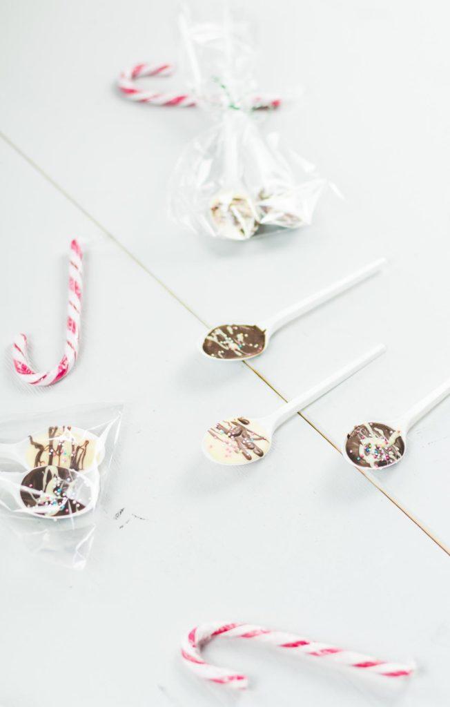 DIY Schokolöffel selber machen - Heiße Schokolade am Stiel - schöne Geschenkidee aus der Küche
