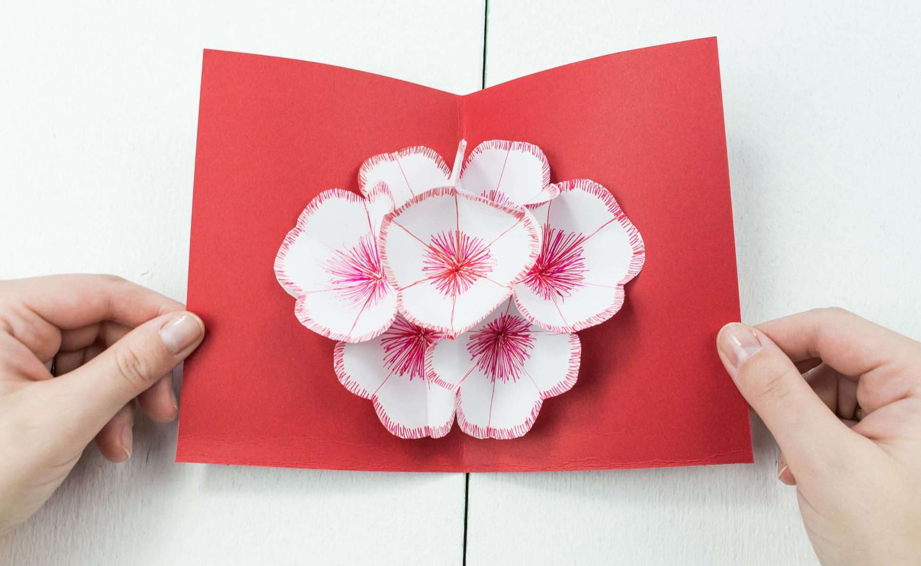 3D Pop Up Blumenkarte basteln – schönes DIY Geschenk aus Papier