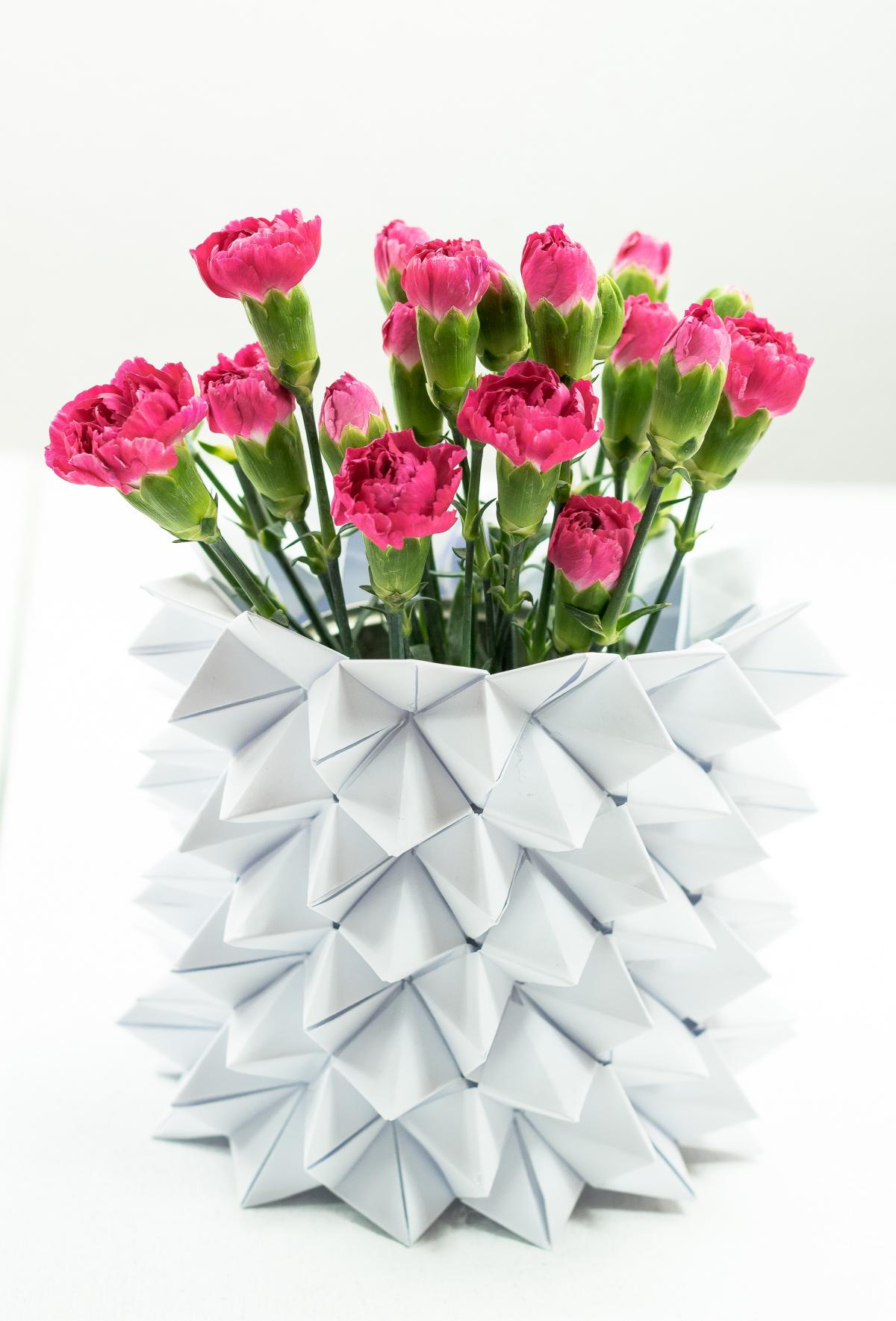 Ideas | How to Make Origami Vase Sleeves | 1769x1200