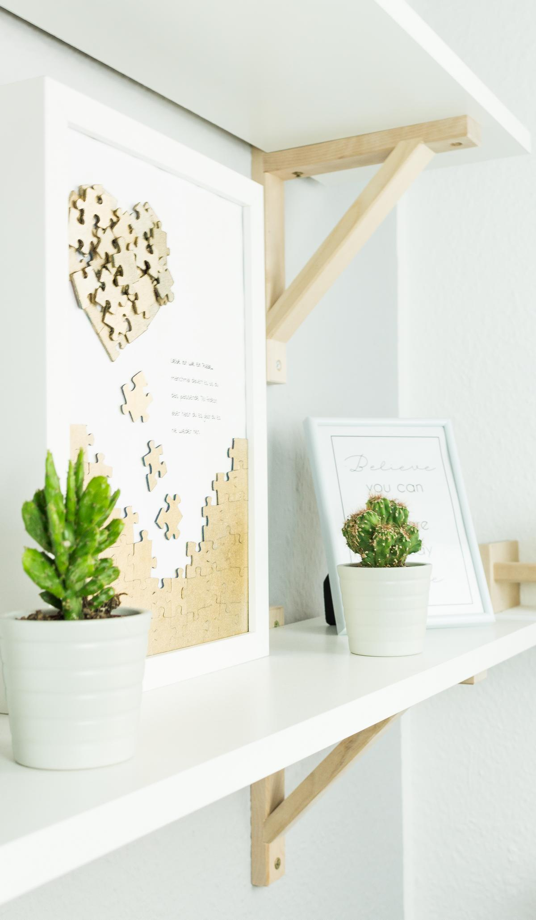 DIY Puzzle Herz Wandbild basteln - schöne Geschenkidee zum Valentinstag oder Muttertag und eine schöne Deko im heimischen Wohnzimmer.... Upcycling Idee
