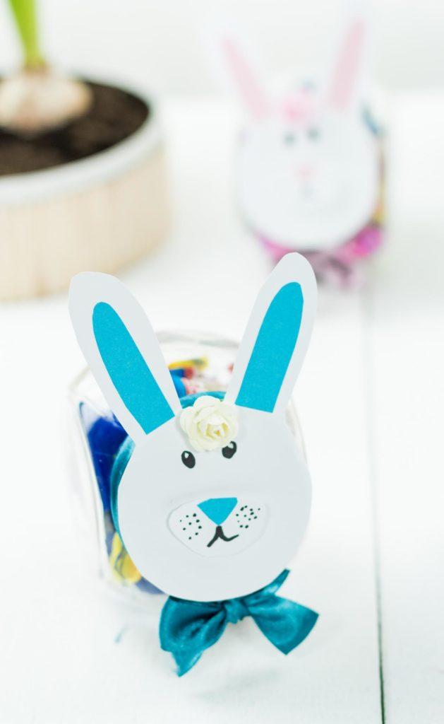 DIY Ostergeschenk im Glas basteln - schöne DIY Geschenkidee zu Ostern, Ostern im Glas