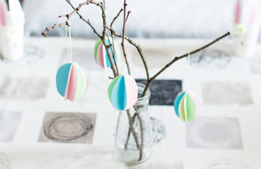 DIY Ostereier aus Papier basteln - schöne, günstige Deko am Osterstrauß