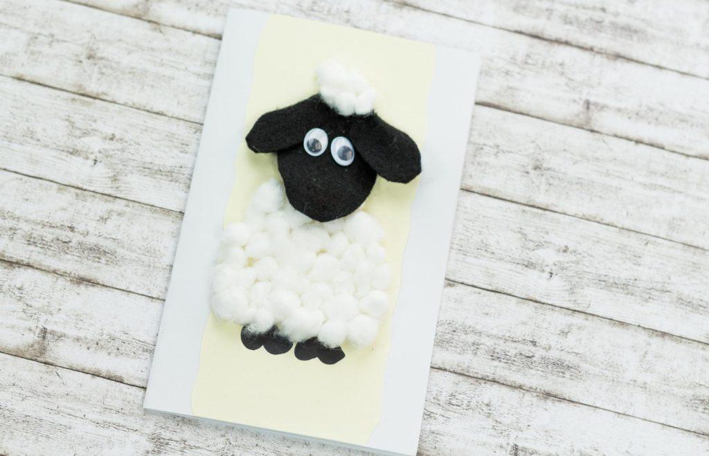 DIY Osterkarte mit Schafmotiv basteln – einfache Anleitung