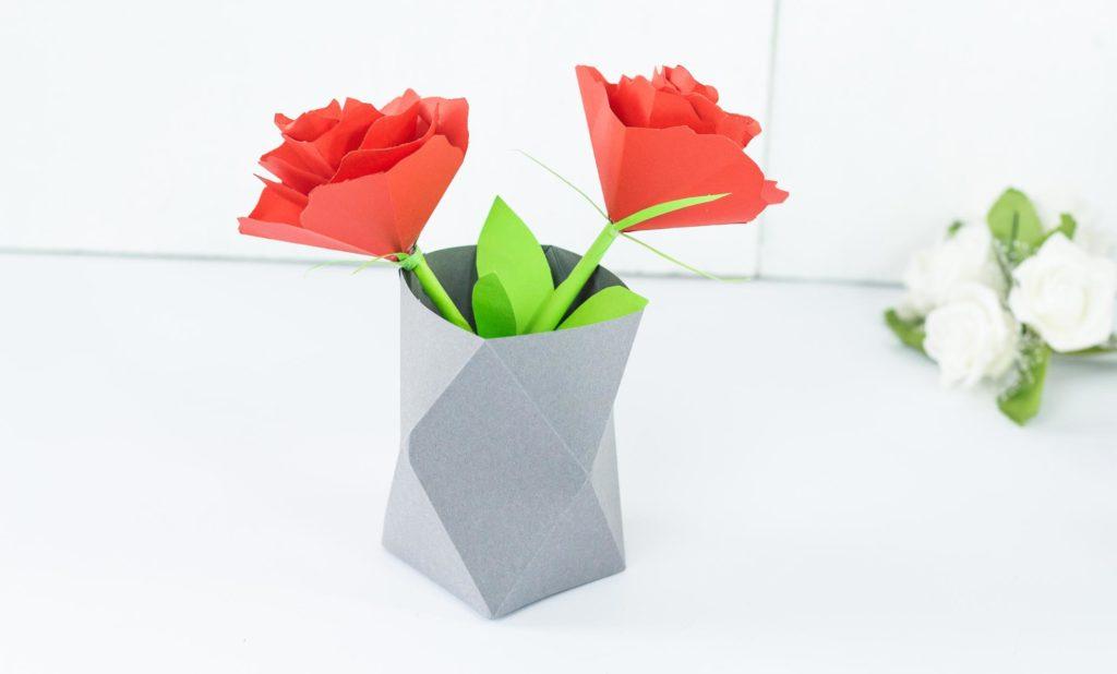 DIY Origami Vase aus Papier basteln - tolle Alternative zu herkömmlichen Vasen
