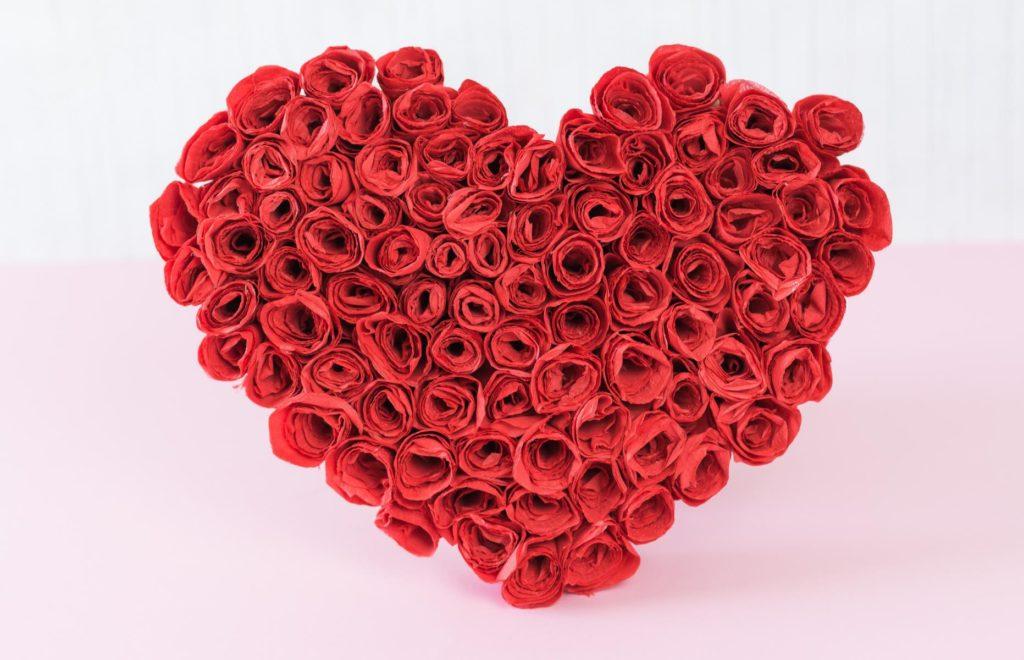 DIY Rosenherz basteln - schöne Geschenkidee für die Liebsten, z. B. zum Valentinstag, Muttertag etc.