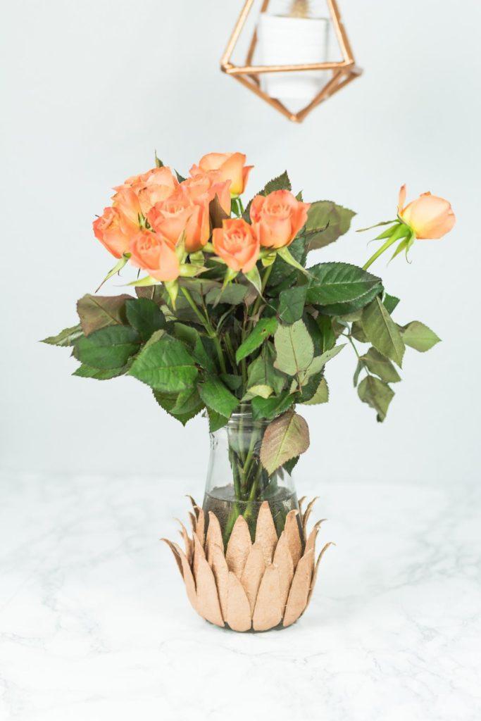 DIY Vase in Kupfer basteln - tolle Upcycling Idee für Eierkartons