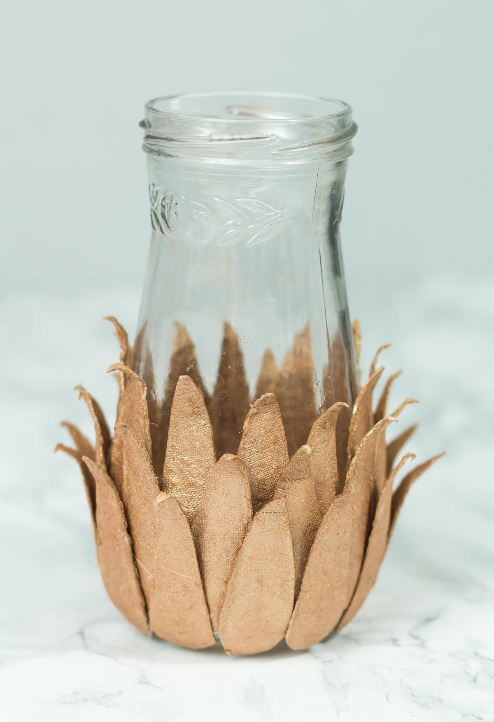 Vase mit Eierkartons basteln
