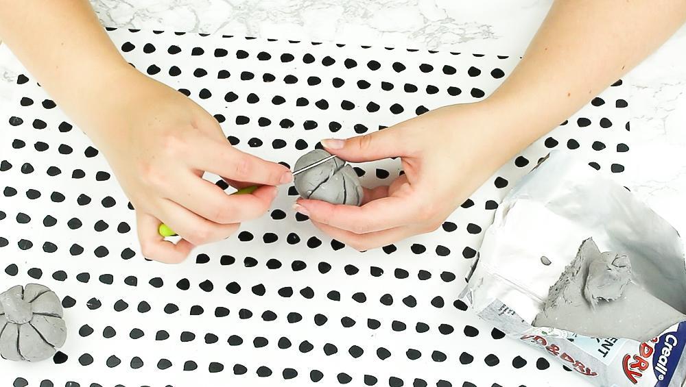 DIY Deko Kürbisse basteln - Schritt 2