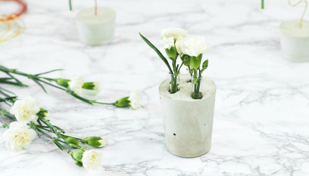 Reagenzglas Vase aus Gips basteln – tolle DIY Deko Idee