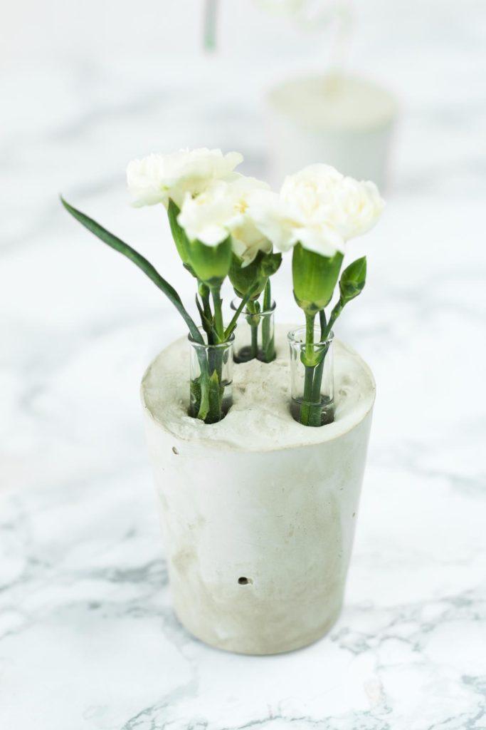 DIY Reagenzglas Vase aus Gips basteln - tolle DIY Deko Idee für die Wohnung