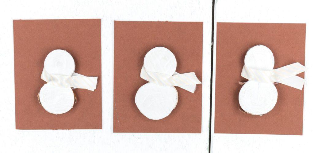 DIY Schneemann Geschenkanhänger basteln - Schritt 5