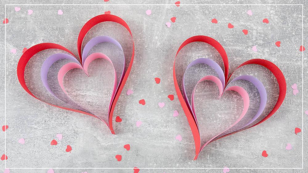 Herz aus Papierstreifen